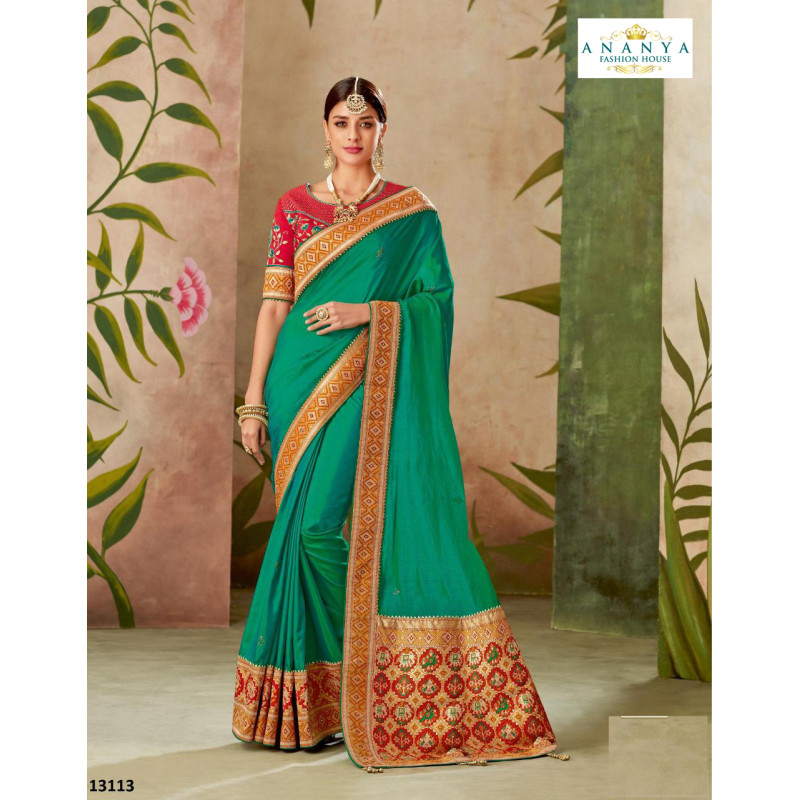 Enigmatic Green Dual Tone Silk Saree with Pink Blouse