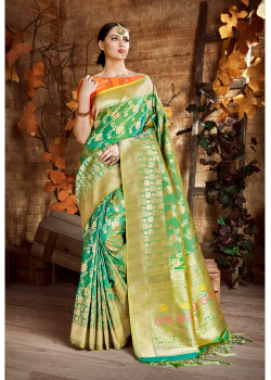 Dazzling Green Cora Silk Saree with Pink Blouse